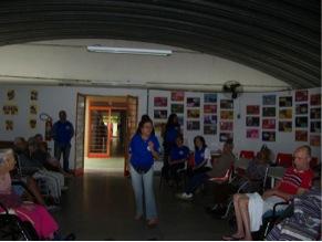Actividad de ayuda humanitaria en asilo geriátrico en Jacareí, São Paulo