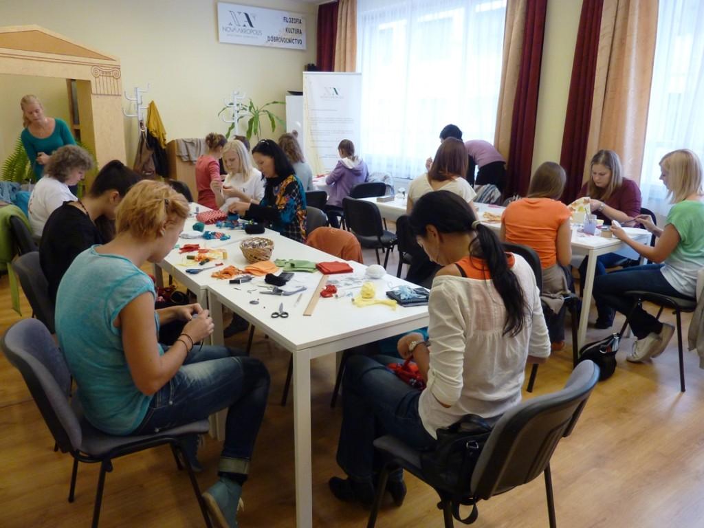 OINAESK-2013-09-dias del voluntariado1