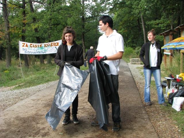 OINAESK-2013-09-dias del voluntariado4