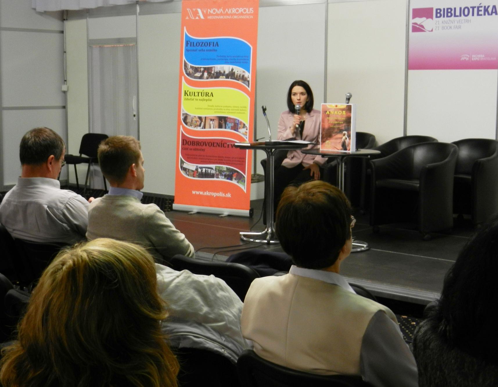 Nueva Acrópolis Eslovaquia: Feria del libro