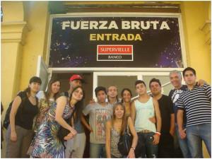 Voluntarios de Nueva Acrópolis y jóvenes del Hogar Alborada