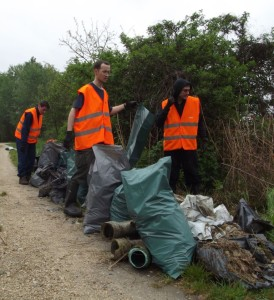 Cleaning Rakos brook in Budapest_2