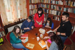 Ioannina: Time for reading and games of togetherness.