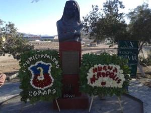 La Ilustre Municipalidad de Copiapó y Nueva Acrópolis ofrecieron arreglos florales a la imagen del filósofo mártir.