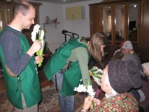 3 Actiune socio-umanitară la Căminul de bătrâni Stejarul