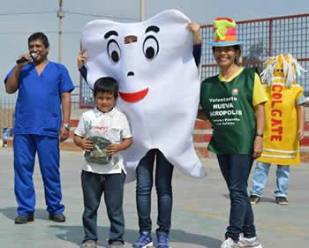 Campaña de Salud Bucal en Trujillo - Perú
