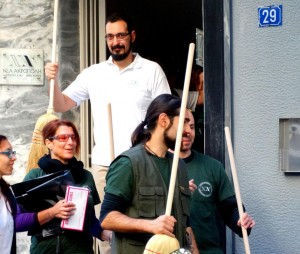prosfiges-ellada-nea-acropoli-kathariotita-plateia-victorias (1)