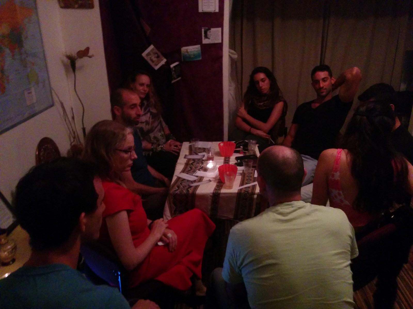 oinais_2015_10_kfar-sava_philosofical-pub_03