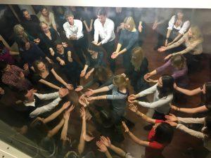 """La fiesta del baile: """"Filosofía de la danza ¿Por qué la gente baila?"""" (Moscú, Rusia Central)"""