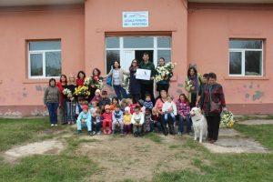 Visitamos a los niños de la pequeña comunidad de Dor Mărunt (Bucarest, Rumanía)