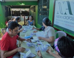"""""""Origami: El arte de doblar papel"""" (Nicaragua)"""