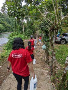 Entrega de artículos de higiene y limpieza a la comunidad indígena de Chumico (Costa Rica)
